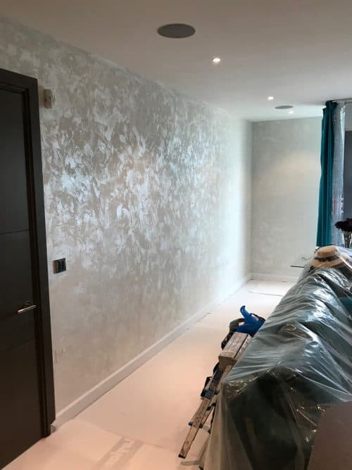 Decorativo Silver Effect Finish Feature Wall